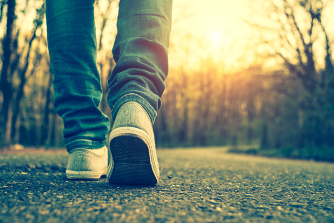 feet-walking-forward